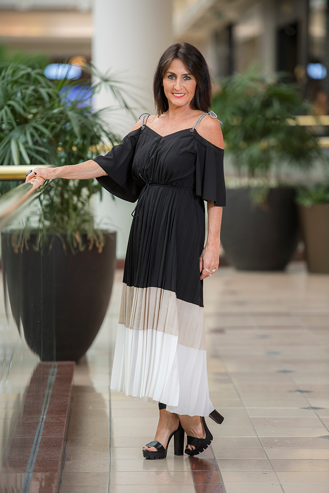 Cindy in Country Road Pleat Dress
