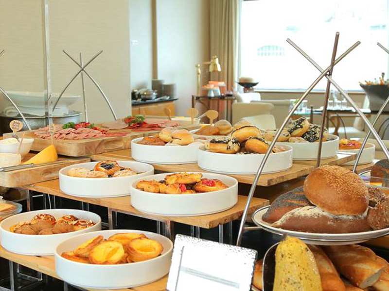 5-Star Buffet Breakfasts