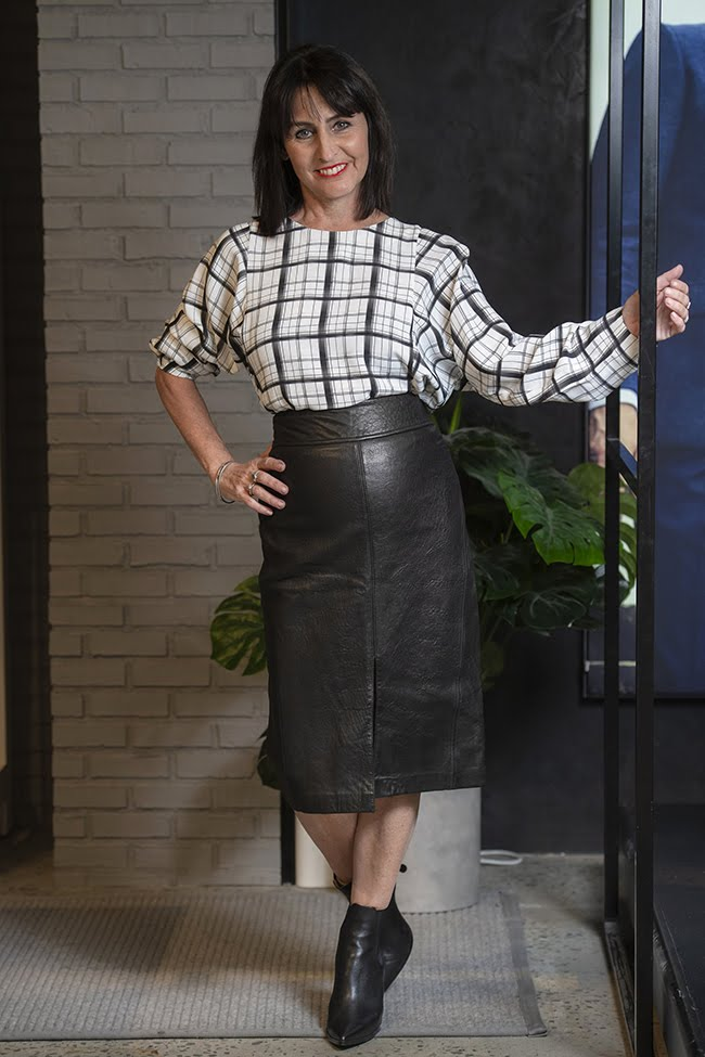 Cindy in Saba Leather Pencil Skirt